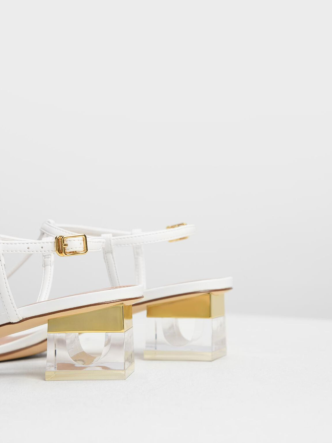 Sepatu Heel Sandals T-Bar Lucite, White, hi-res