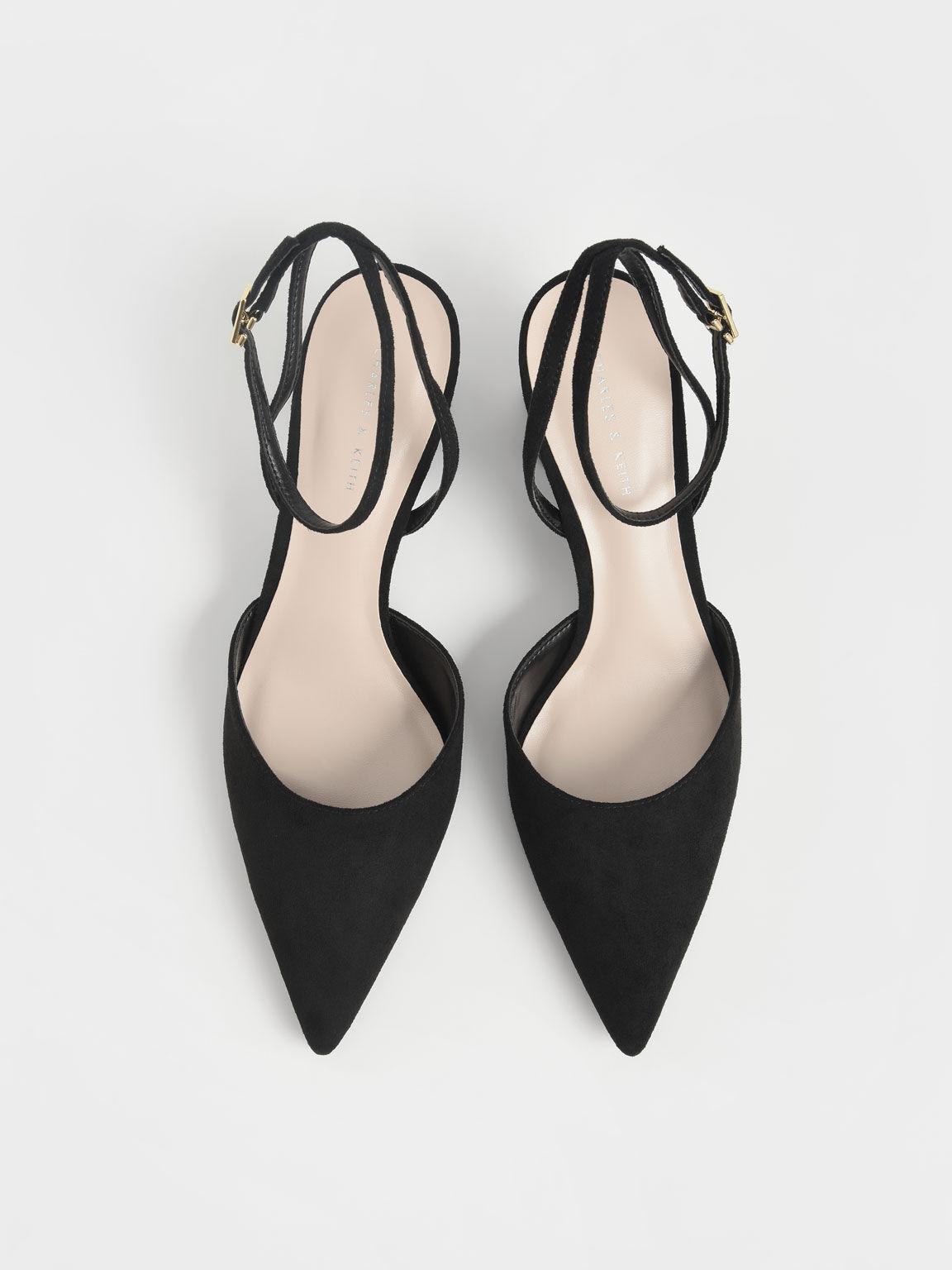 Sepatu Textured Ankle Strap Pointed Toe Pumps, Black, hi-res