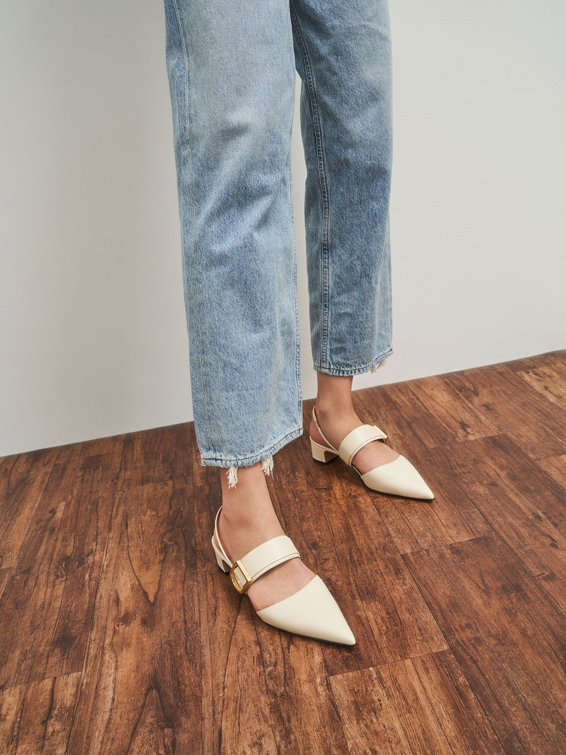 Sepatu Buckle Slingback Pumps, Chalk, hi-res