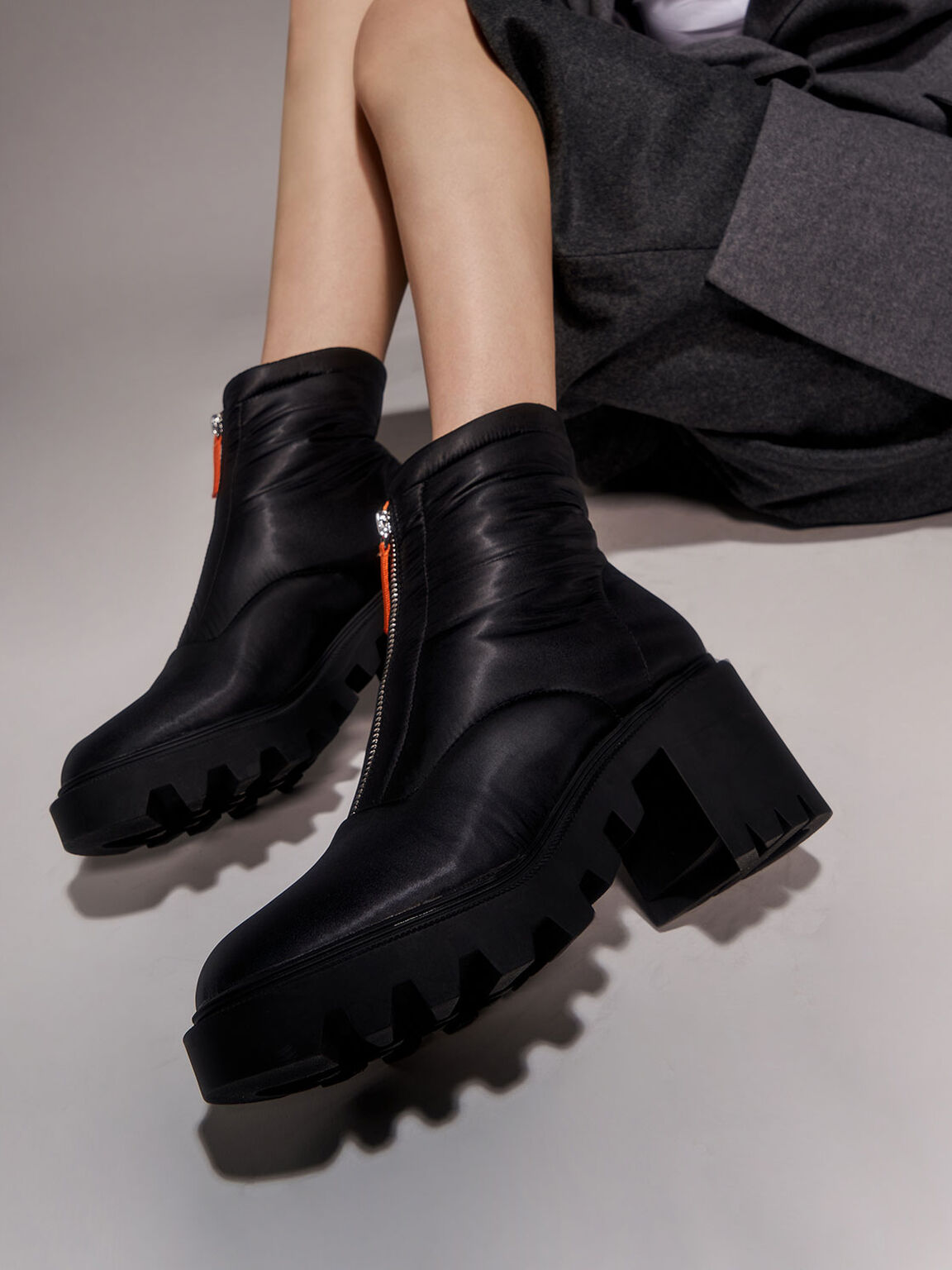 Sepatu Nylon Front Zip Ankle Boots, Black, hi-res