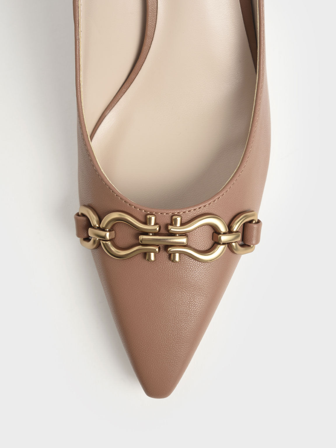 Sepatu Chain Link Pointed Toe Pumps, Camel, hi-res