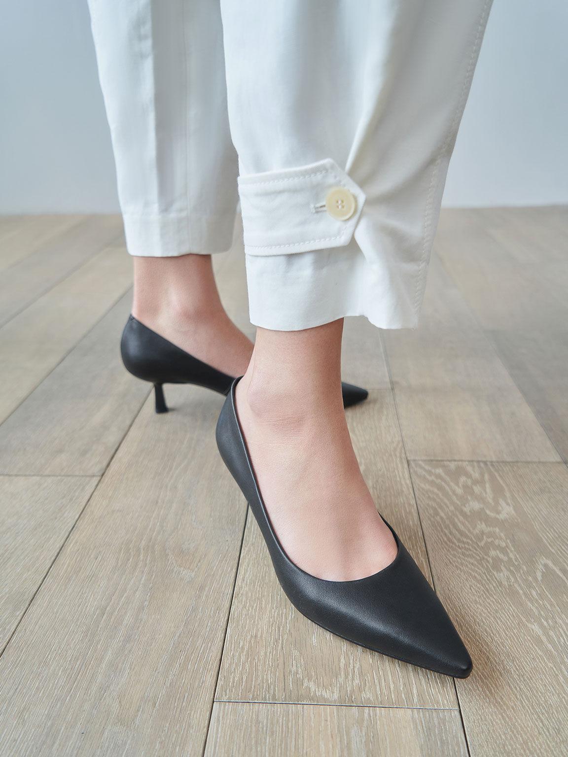 Sepatu Pointed Kitten Heel Pumps, Black, hi-res